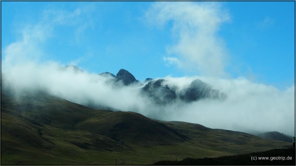 An der A134 kommen uns aber endgültig die Wolken entgegen