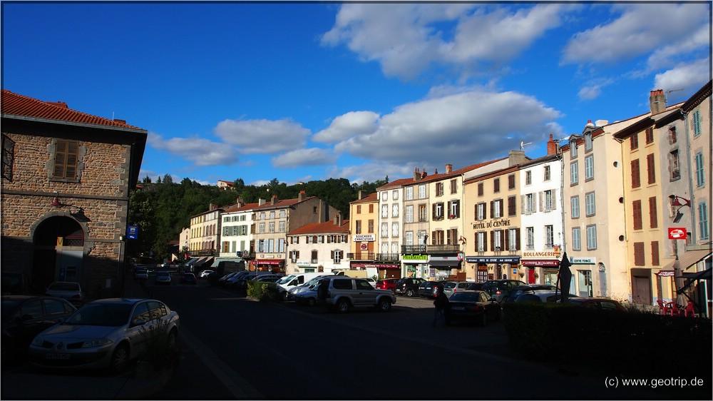 Champeix - der Dorfplatz