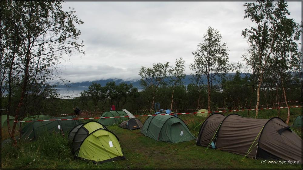 Unser mieser Zeltplatz - sieht aber auf dem Photo gar nicht so schlimm aus
