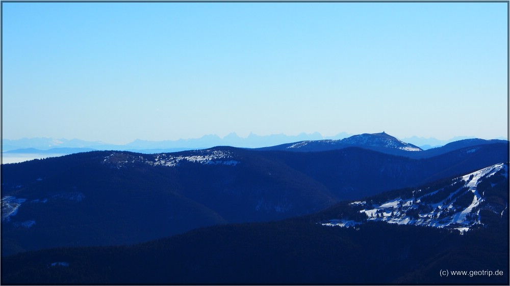 Die Gipfel der Alpen - im Vordergrund der Grand Ballon