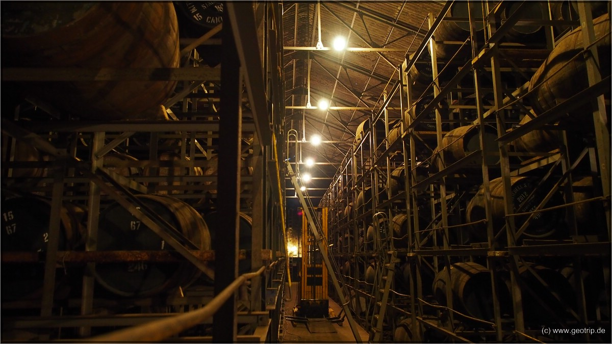 Eins der warehouses