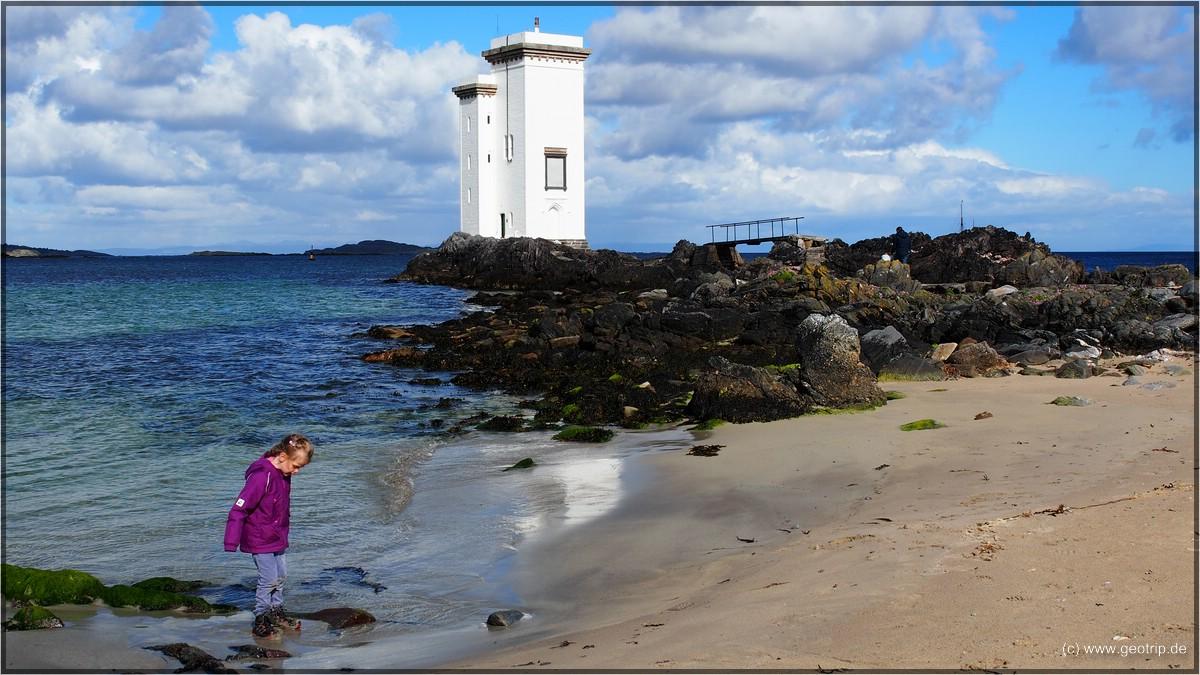Tochter genießt den Strand, wir die Aussicht