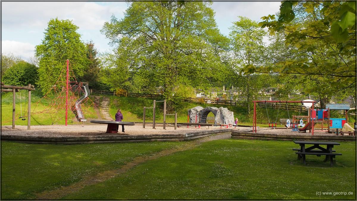 Der geniale Spielplatz in ebensolcher Lage