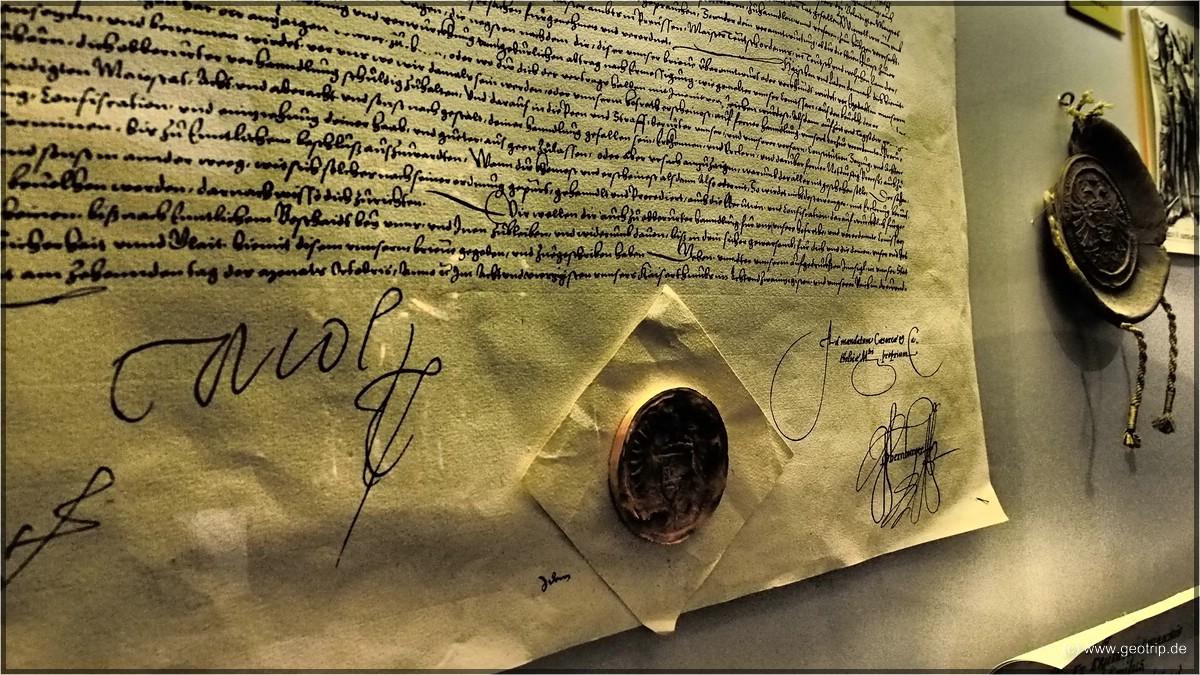 Alte Dokumente sind hier ausgestellt