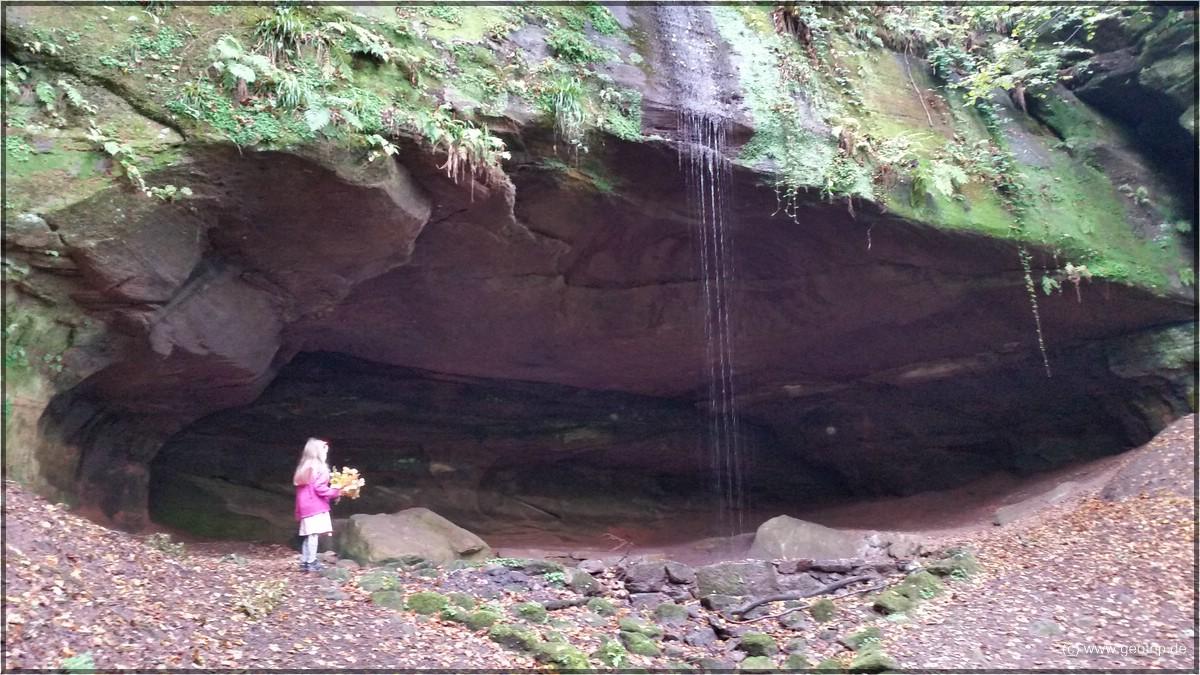 Die größte Naturhöhle der Pfalz