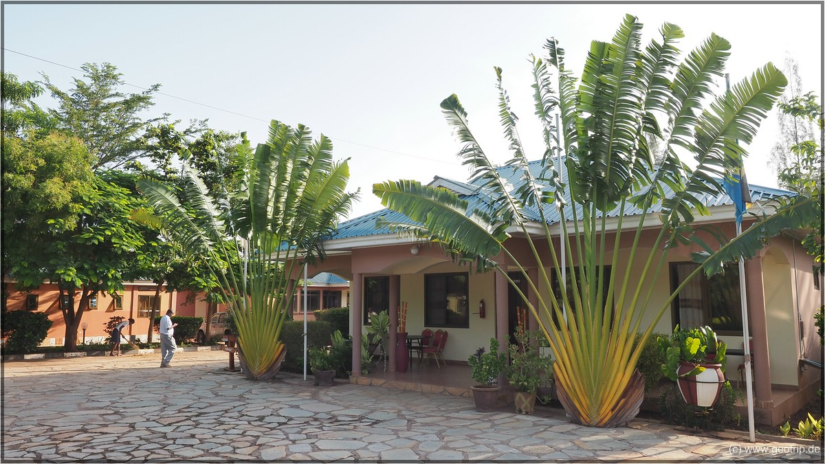 Fanaka am Morgen - Unser Zimmer ist links