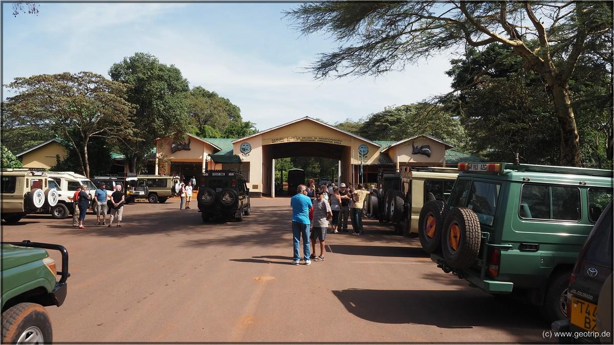 Eingang zur Serengeti und zum Ngorongoro - hier ist was los