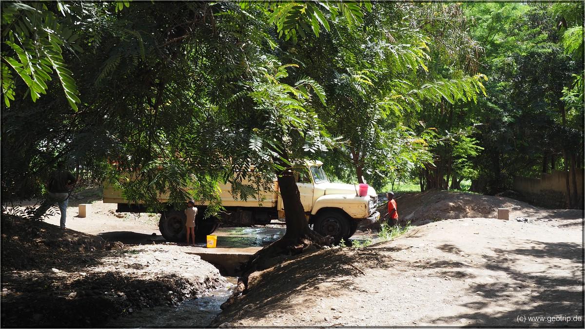 Autowäsche auf afrikanisch
