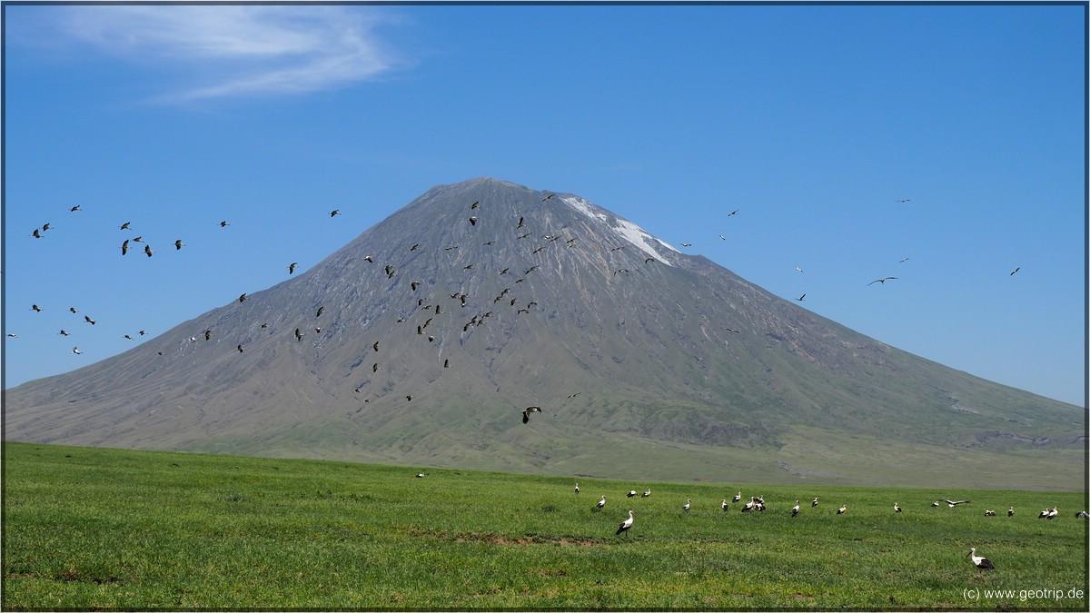 Oldonyo Lengai - das weiße ist kien Schnee, sondern Asche