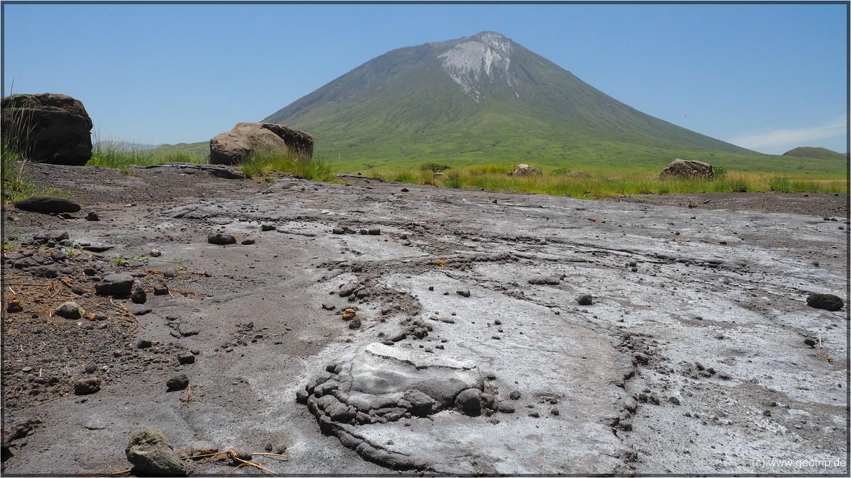 Die Asche und Lavaablagerungen des Stratovulkans