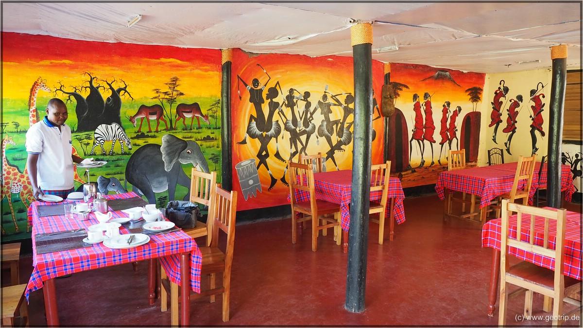 Frühstück in der Lengai Safari Lodge