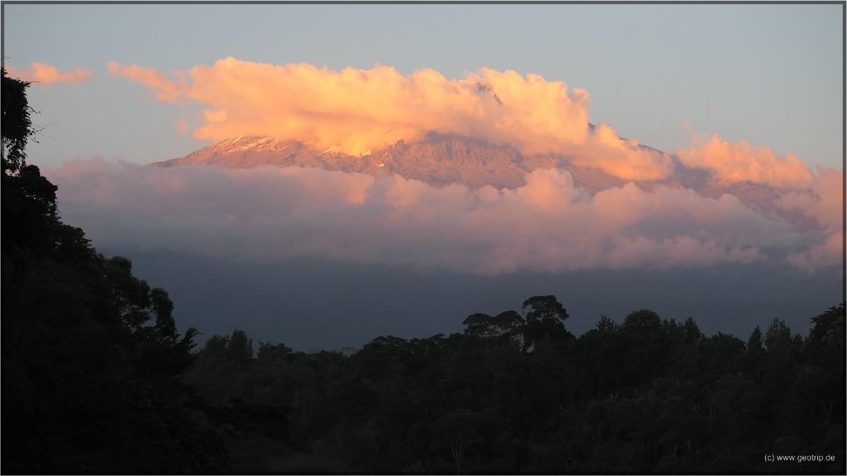 Der Kilimandscharo - im Sonnenuntergang