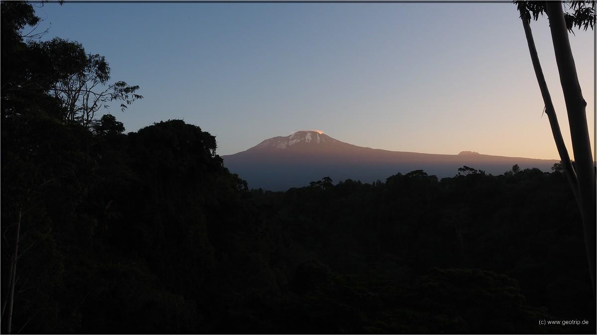 Der Sonnenaufgang mit Kulisse