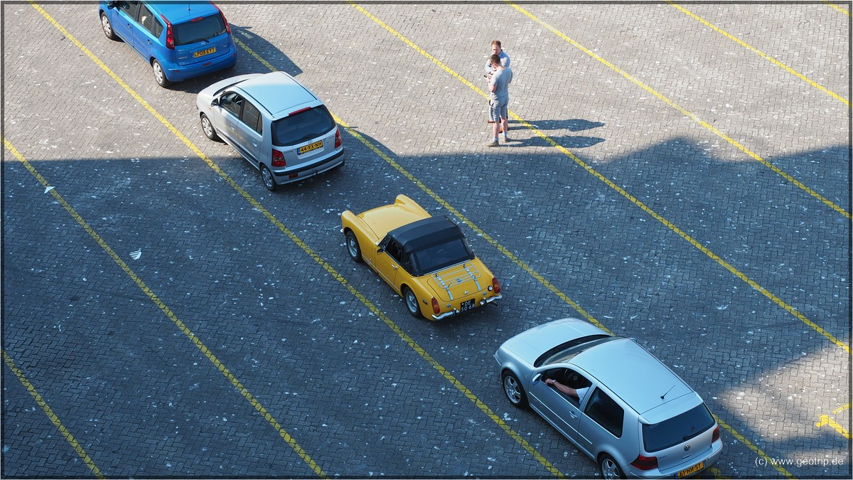 Auch schicke Autos müssen warten