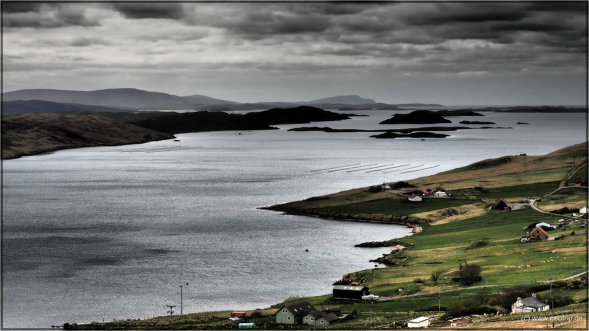 Geologische Falte quer durch Shetland